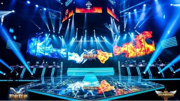 电子竞技应用液晶拼接大屏幕,开启大银幕新时代