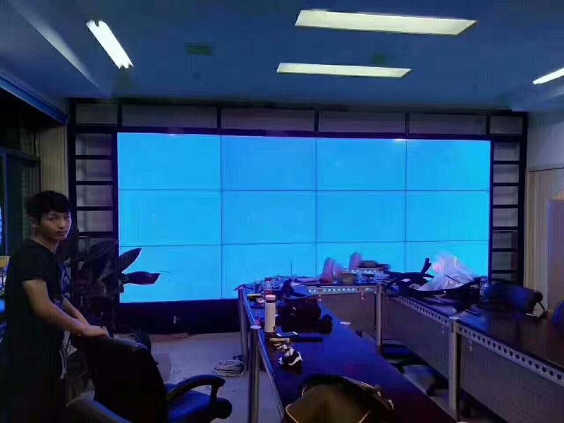 山西太原煤炭医院55寸液晶拼接屏1.8mm3X4单元拼接