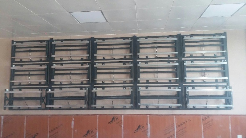 中亿睿LG49寸液晶拼接屏系统青海同任县办公室视频会议应用案例