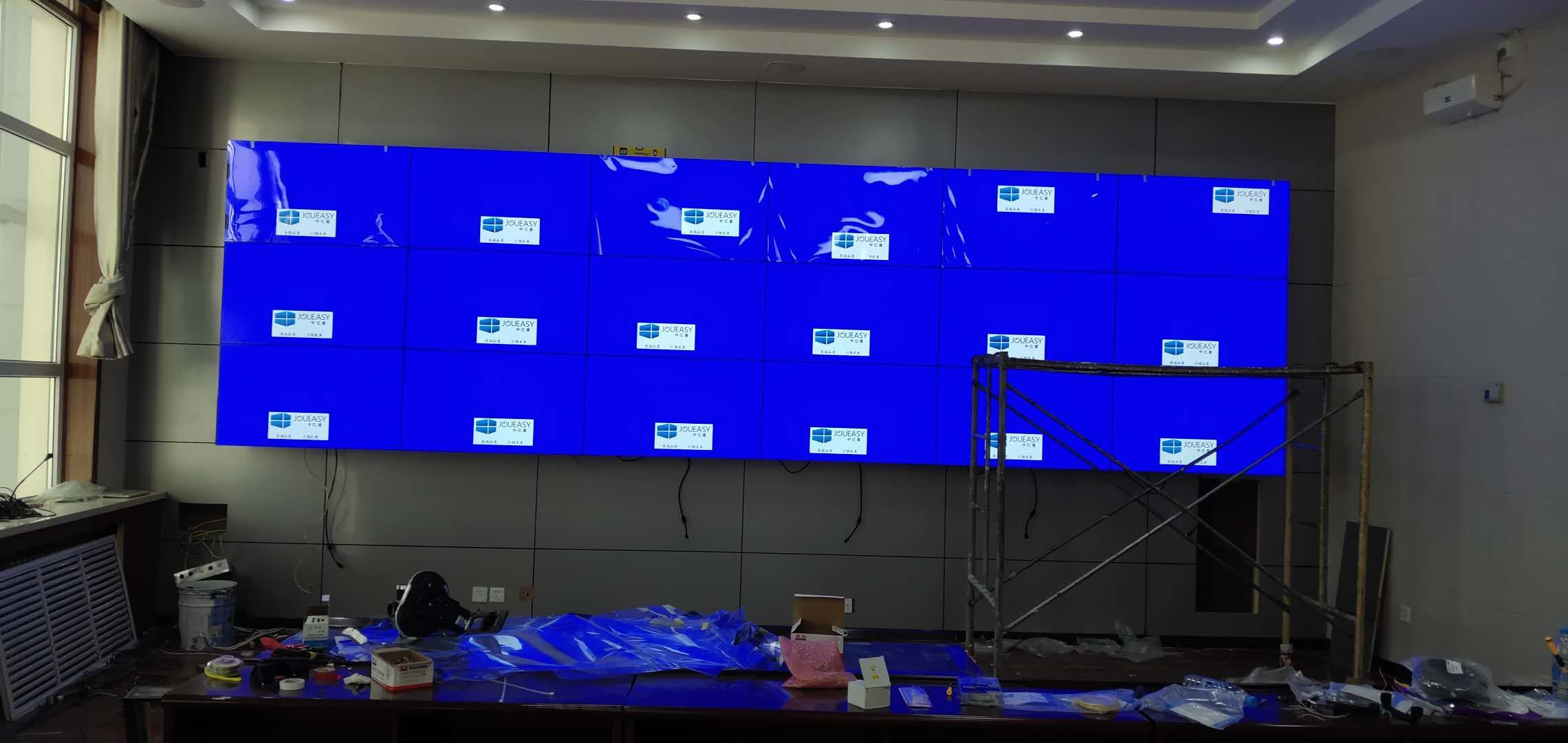 青海河南县人民政府46寸液晶拼接屏18单元