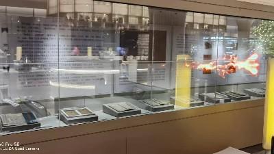 透明屏OLED拼接屏应用河北某企业建设科技馆展厅项目展示
