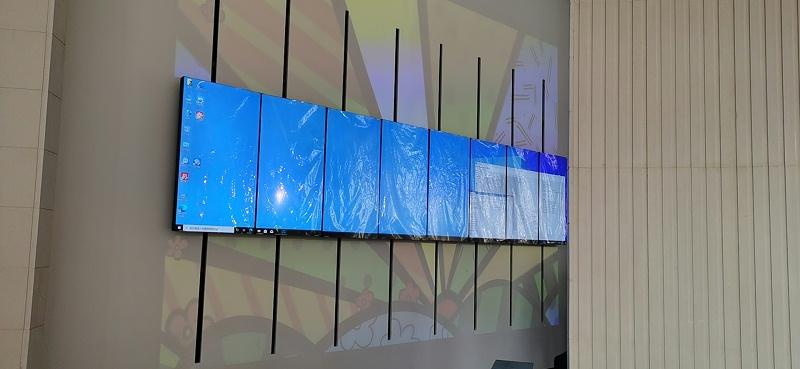 竖挂机械动态矩阵屏现场展示图片