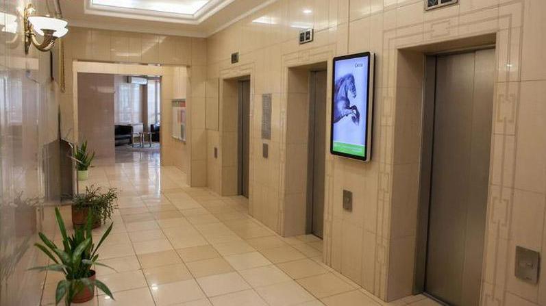 楼宇电梯广告机