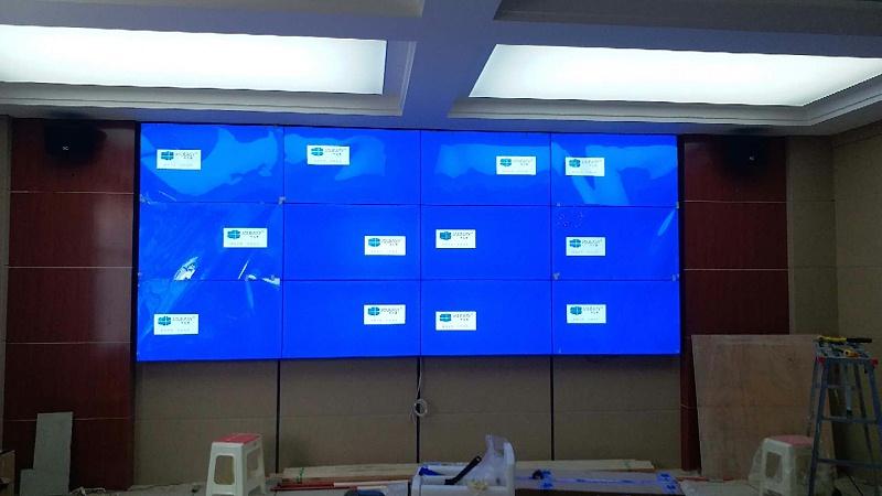 中亿睿49寸液晶拼接屏入驻青海达日县应急管理局