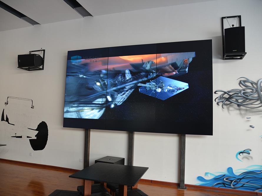 宁夏吉普4S店55寸液晶拼接屏应用