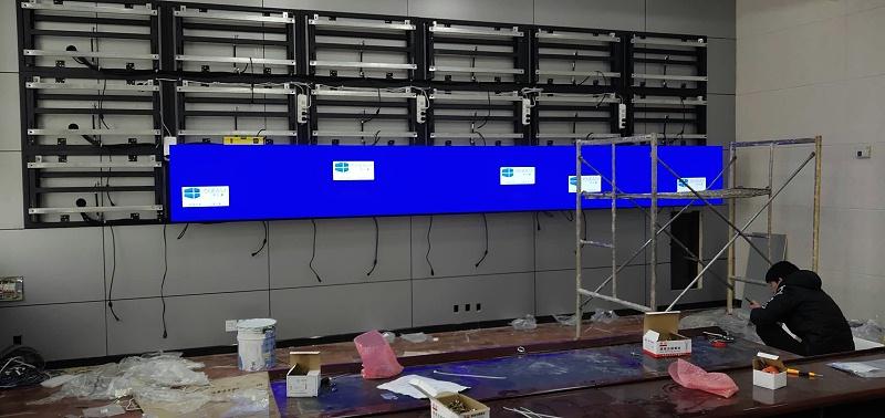 液晶拼接屏支架安装图