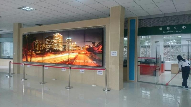 惠州证券中心55寸液晶拼接屏3X6拼接展示